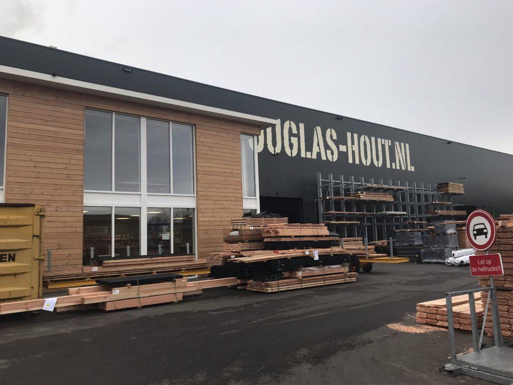 Bedrijfspand Douglas-hout.nl